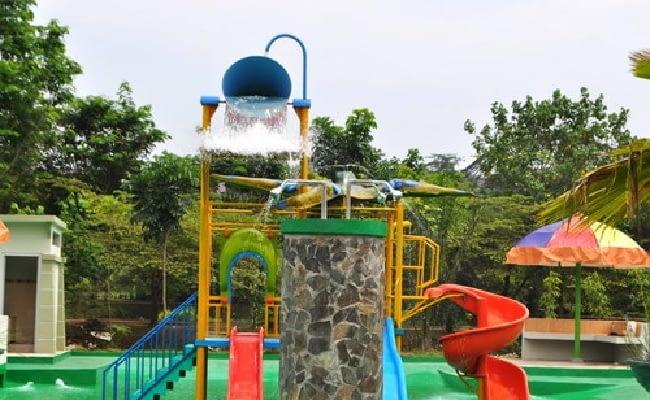 Kontraktor Ember Tumpah Waterboom Murah Untuk Kolam Renang